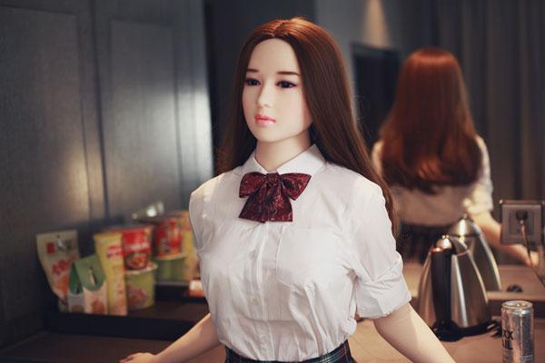 poupée réaliste